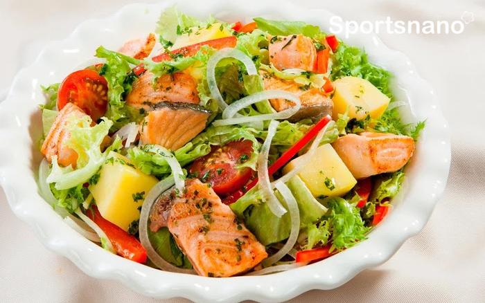 Salad cá hồi giàu dinh dưỡng